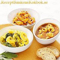 Tortellini med tomatsås och parmesan - Tortellini al pomodor