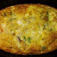 omelett med grönsaker